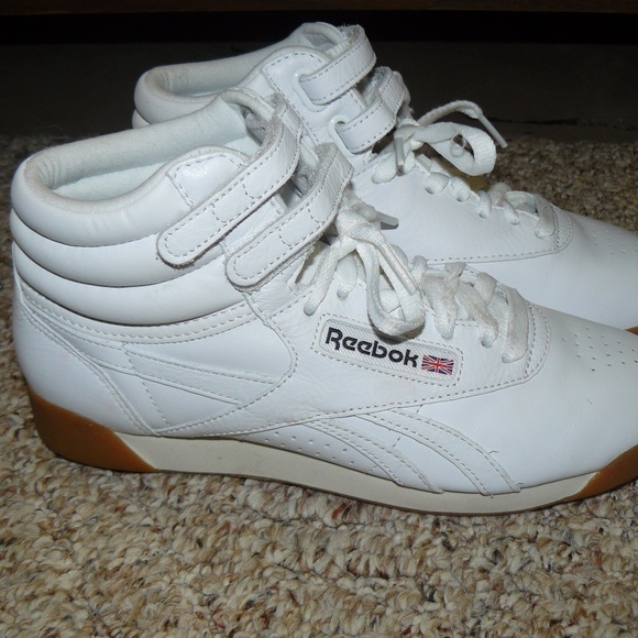 259ff5ce1ac NWOB Reebok Classic Leather High Tops Sz 7.5